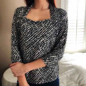 4 LEFT XS-L CHIC Stretchy Black & White Geo Top